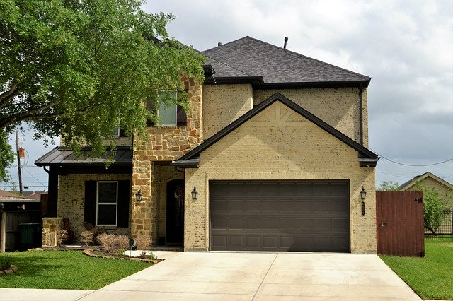 Simple Steps to Measure for a New Garage Door